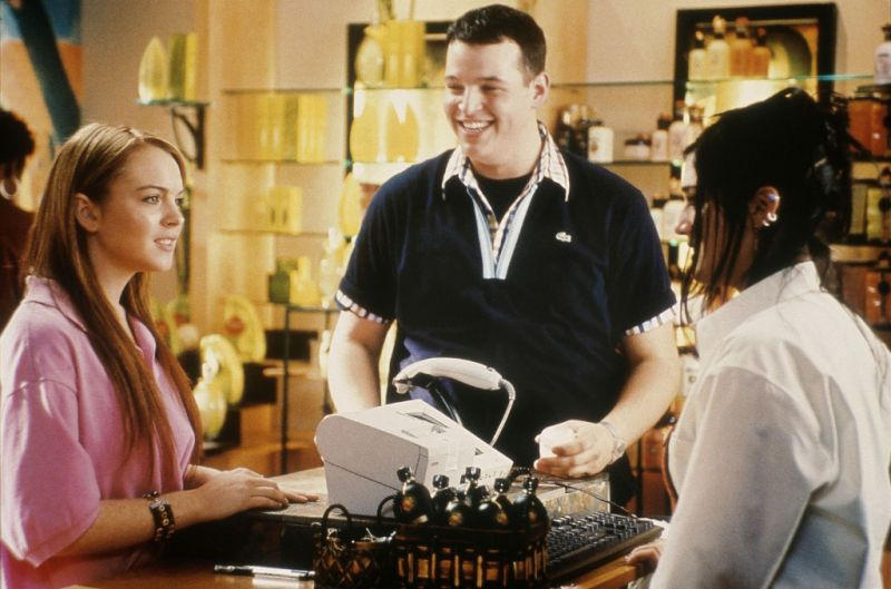 Mean Girls (2003) - Movie Stills - Lindsay Lohan, Lizzy Caplan, Daniel Franzese #meangirls