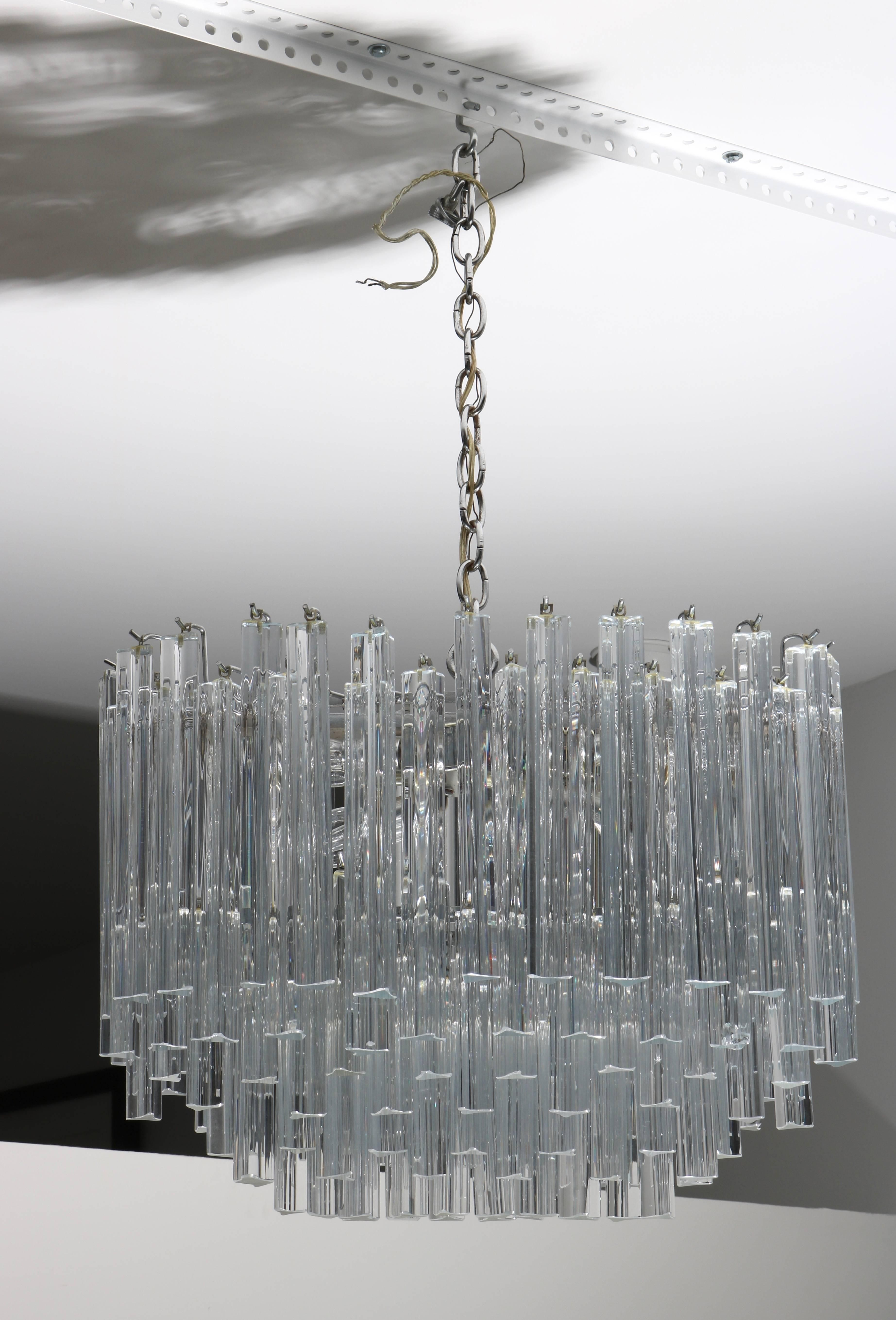Oval Form Venini Murano Glass Chandelier With Triedri Form Prisms For Sale At 1stdibs Glass Chandelier Murano