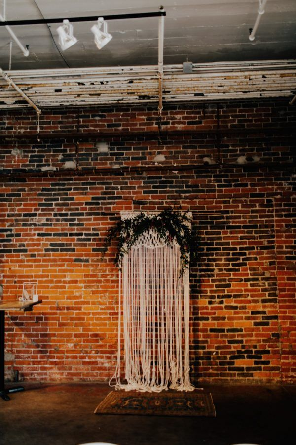 This Strongwater Columbus Wedding is a Boho Lovers Dream | Junebug Weddings
