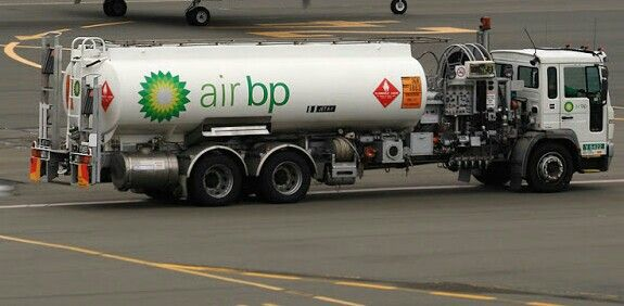 Air Bp Fuel Tanker Refueling Aviation Fuel Commercial Vehicle