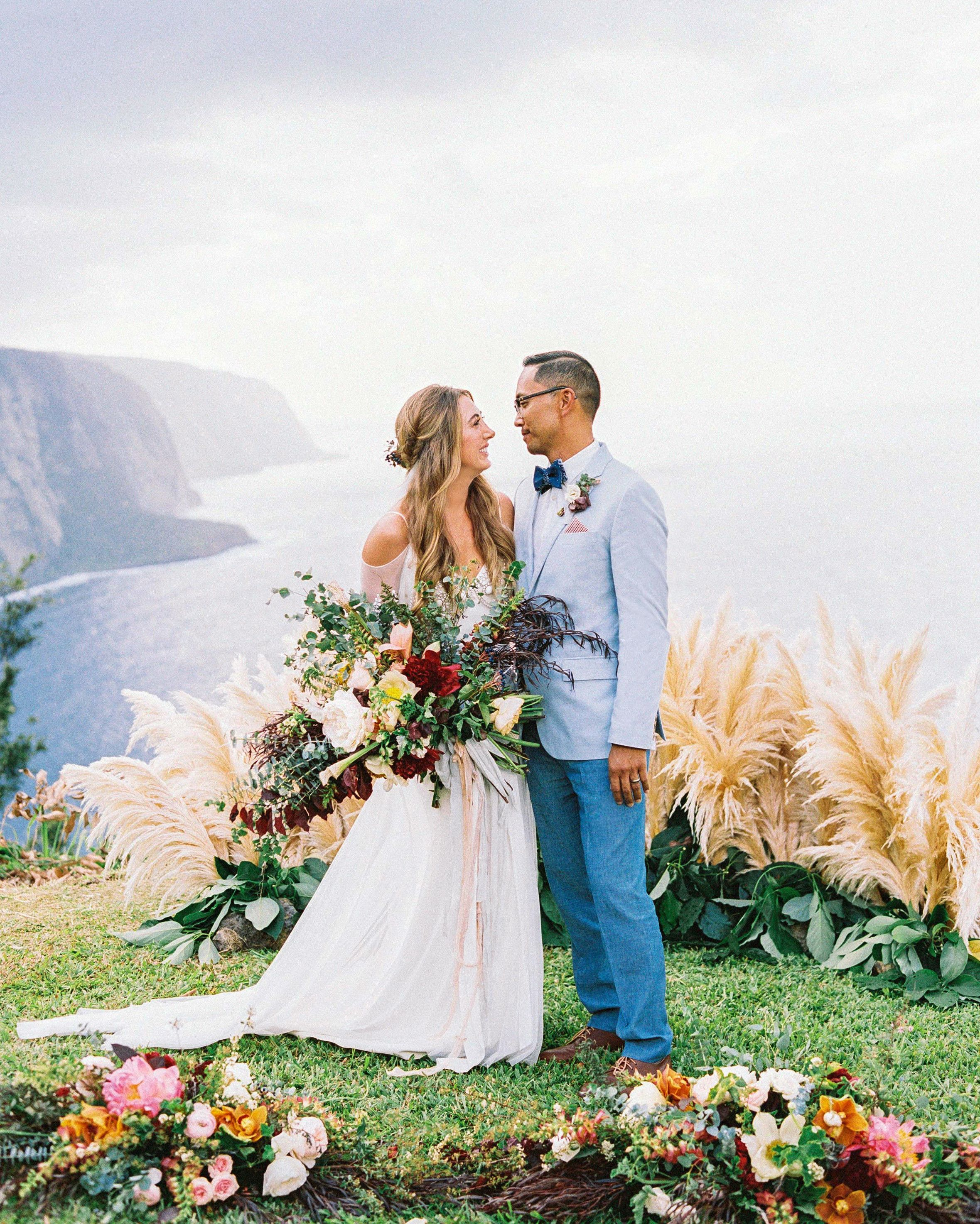 The Bride And Groom Wed On A Bluff 750 Feet Above The Pacific Ocean And Then Celebrated With 30 Loved Ones Isla Hawaii Wedding Hawaiian Wedding Cliff Wedding