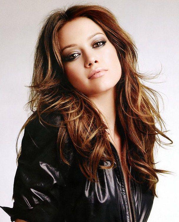 Hilary Duff. Warm brown with reddish undertones. Hot | Hilary duff hair,  The duff, Hilary duff