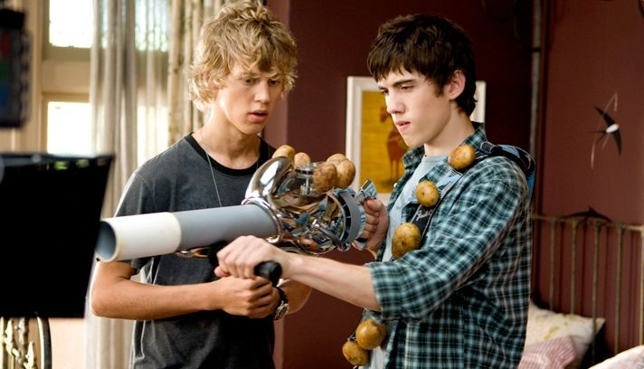 Carter Jenkins As Tom Pearson And Austin Robert Butler As Jake In Adventure Fantasy Aliens In The Attic Austin Butler Actors Actresses Austin