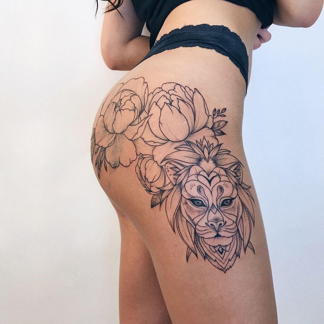 Naked manga girl temporary tattoo