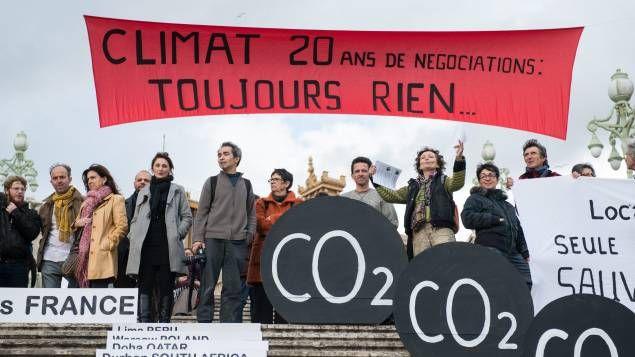 """Nos """"omissions"""" de CO2 : Quel est le rôle caché de notre consommation dans notre impact climatique ? avant la COP 21, l'observatoire de la consommation responsable « mes courses pour la planète » veut sensibilliser les consommateurs… et les élus."""