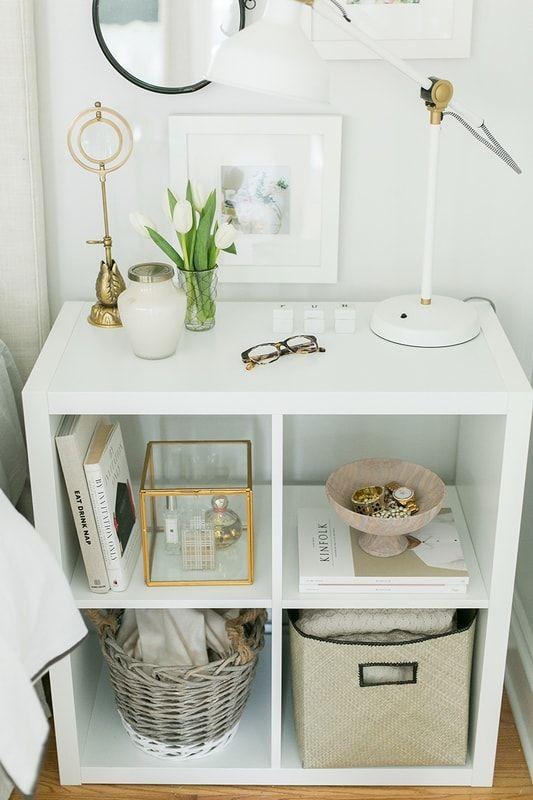 Une Table De Chevet Réalisée Avec Une étagère Kallax De Chez