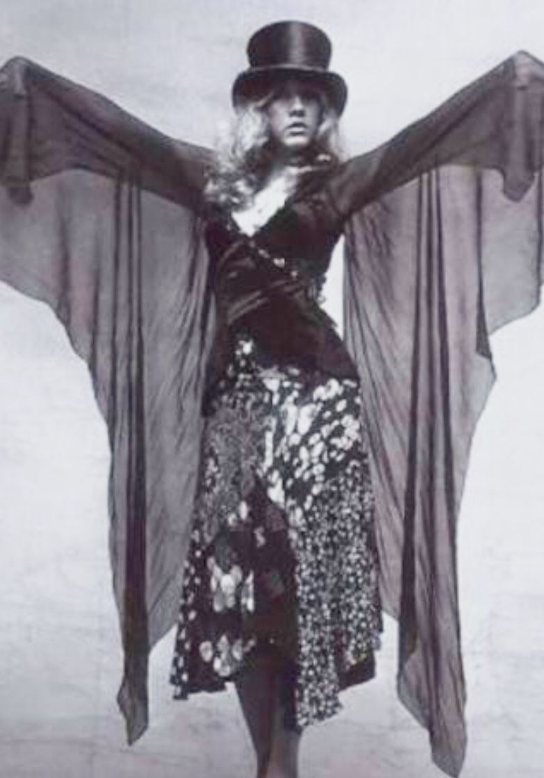 Pin By Susan Lumby On Cocktails Stevie Nicks Style Stevie Nicks Stevie [ 1120 x 783 Pixel ]