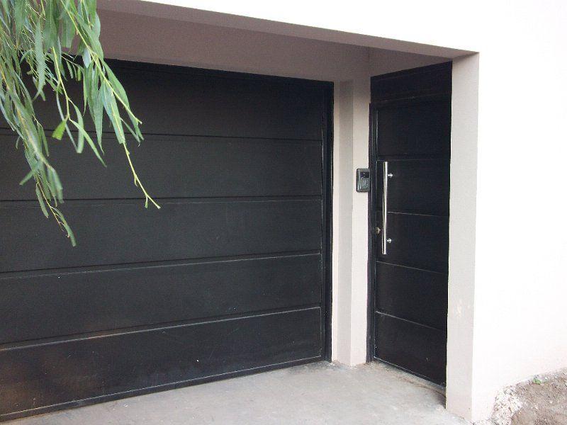 Puerta exterior met lica puerta de acceso pinterest for Puerta metalica exterior