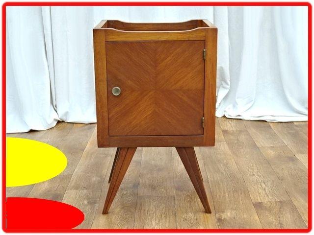 Table De Chevet Vintage Scandinave 1950 Avec Images Meuble Table De Chevet Vintage Meuble Vintage