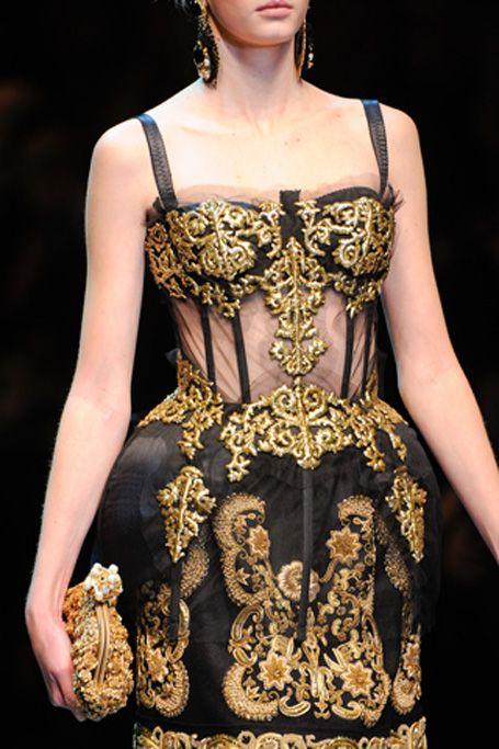 """Blog Le Style NAF NAF. Artículo """"Corset: moda de controversia""""   http://blog.nafnaf.com.co/content/corset-moda-de-controversia?utm_source=Pinterest&utm_medium=Social&utm_content=15032016-corset-moda-de-controversia&utm_campaign=corset-moda-de-controversia"""