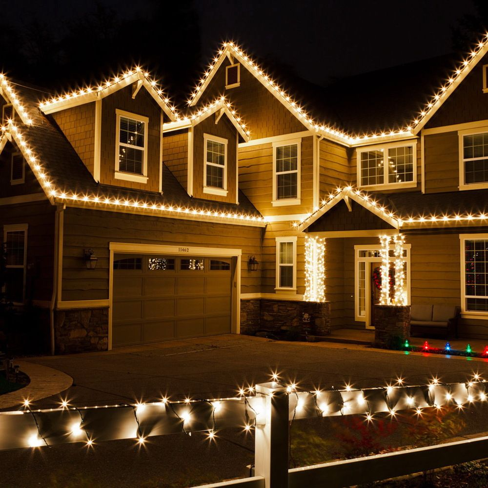 Best 25 christmas lights on houses ideas on pinterest for Illumination exterieur maison