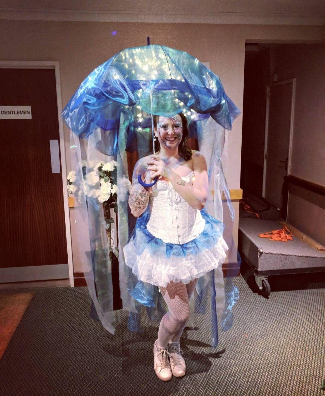 Qualle Kostum Selber Machen Maskerix De Fasching In 2019
