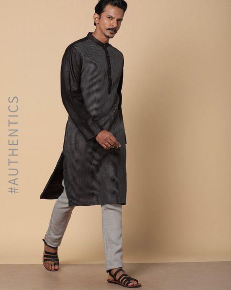 17ea9391f82d #AJIO #Menswear #Mensstyle #Occasionwear #Ethnicwear #Kurtas #Traditional  #Indianwear
