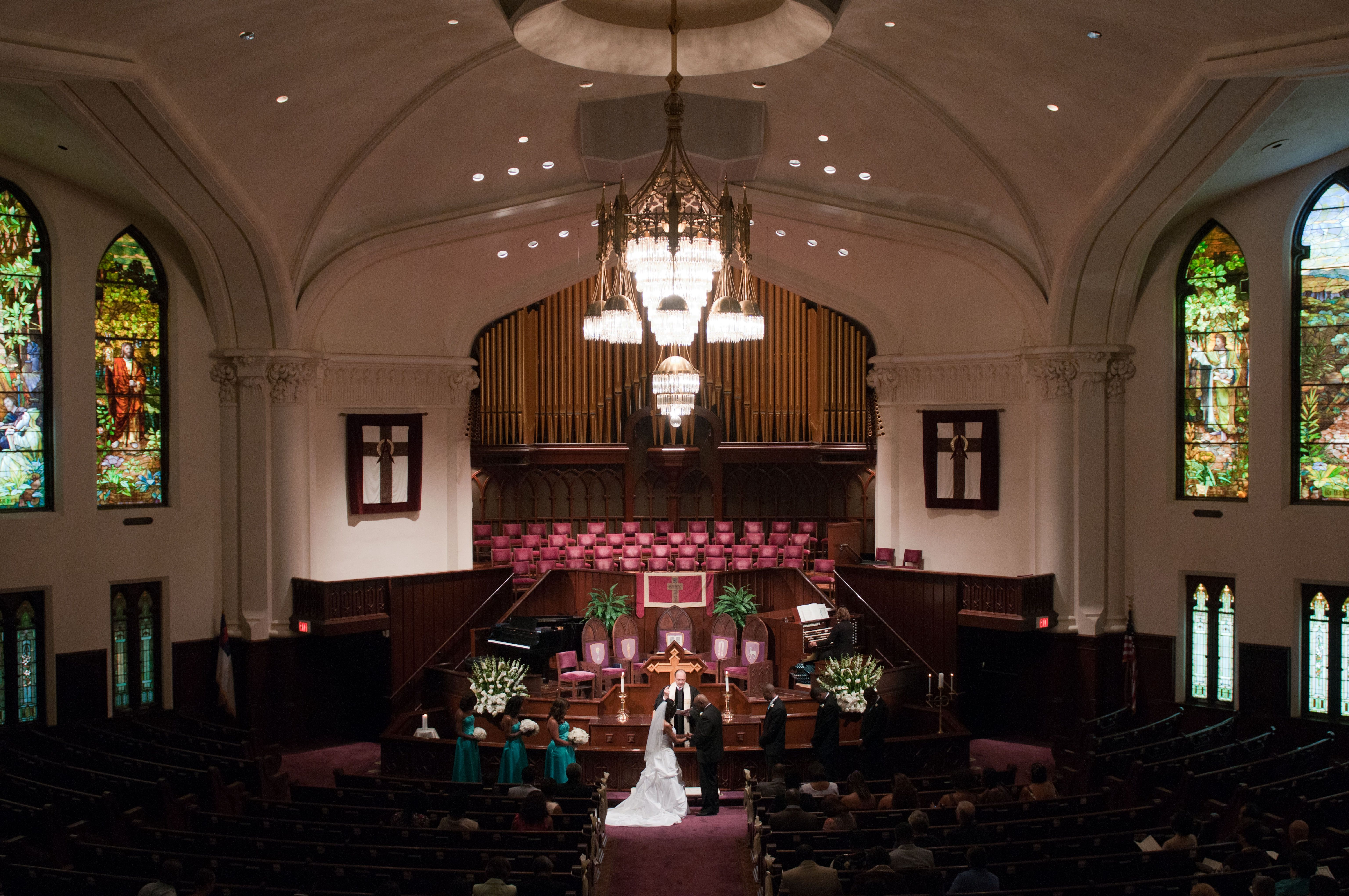 wedding ceremony at Houston's First United Methodist Church Downtown