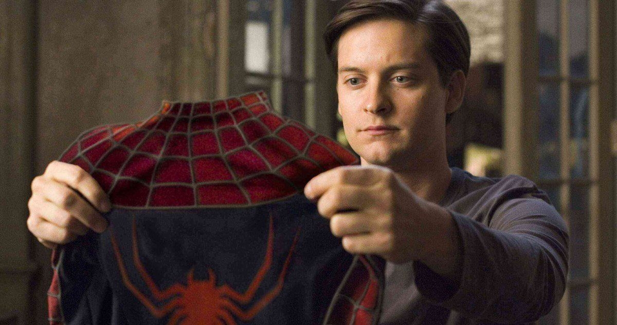 Tobey Maguire Doesn T Rule Out One Other Superhero Position With Images Tom Holland Spiderman Spiderman Movie