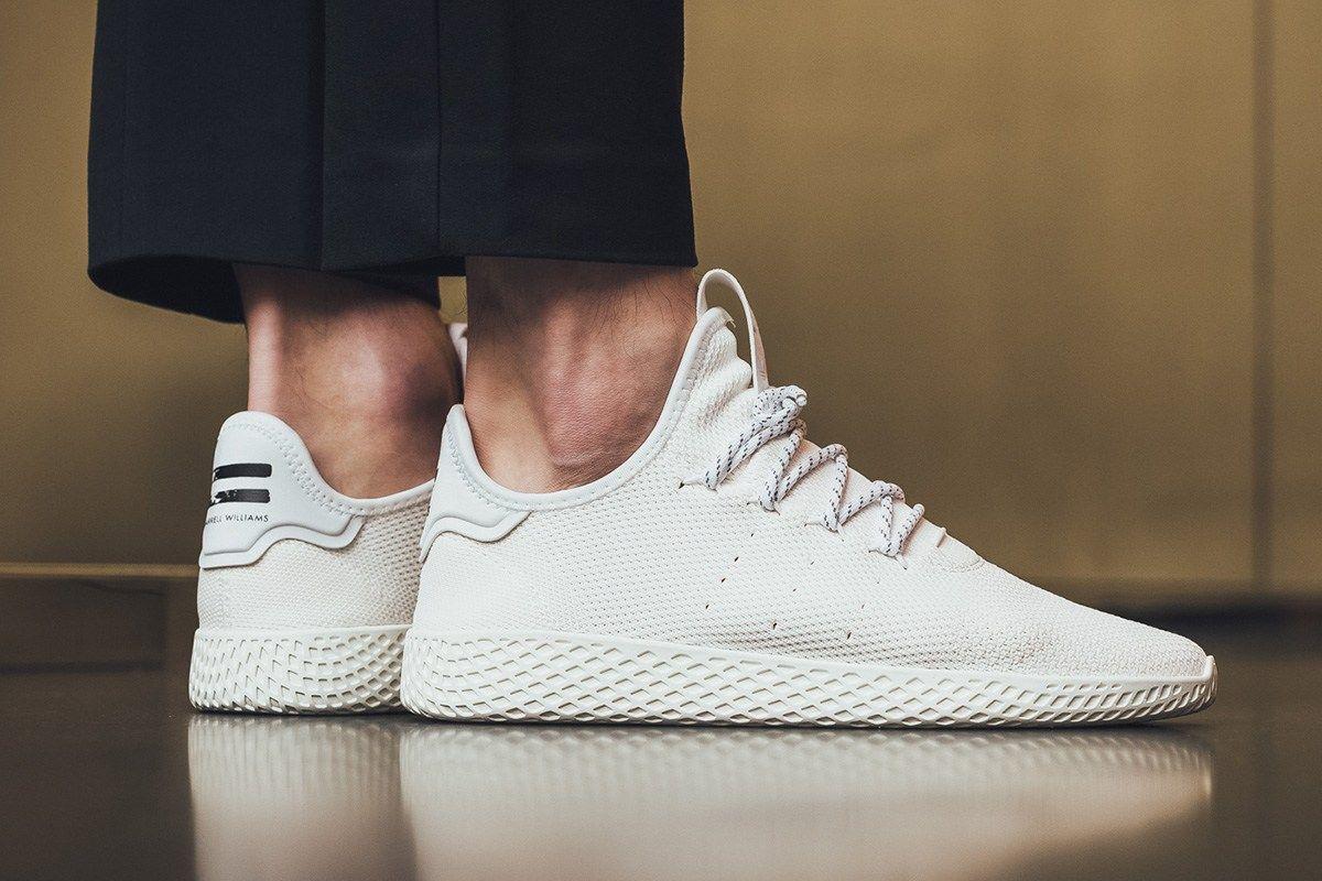 On Foot Pharrell Williams X Adidas Holi Tennis Hu Eukicks Com Sneaker Magazine Sneaker Magazine Sneakers White Sneaker