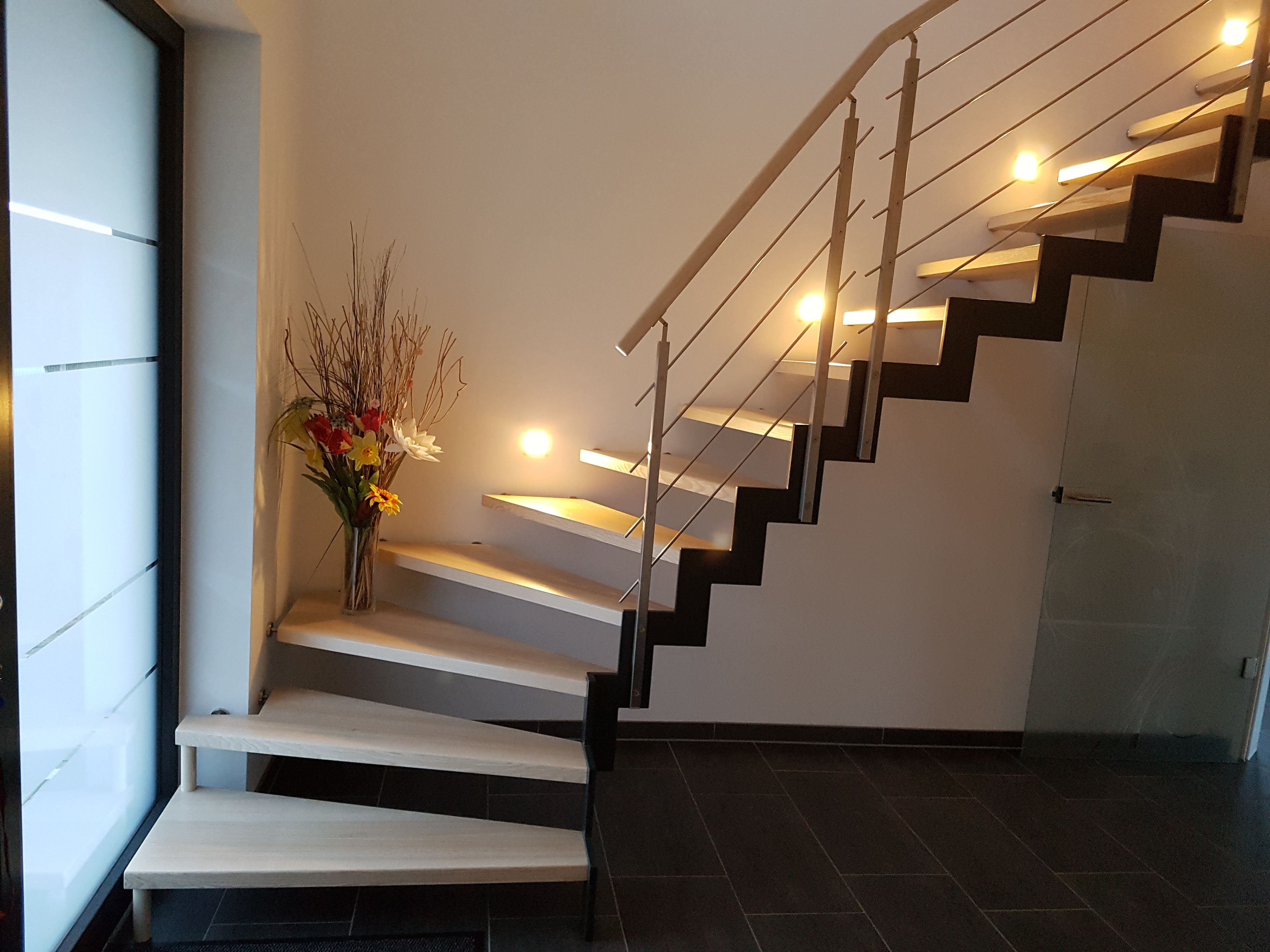 nautilus treppen modern spiral staircases found in homes. Black Bedroom Furniture Sets. Home Design Ideas