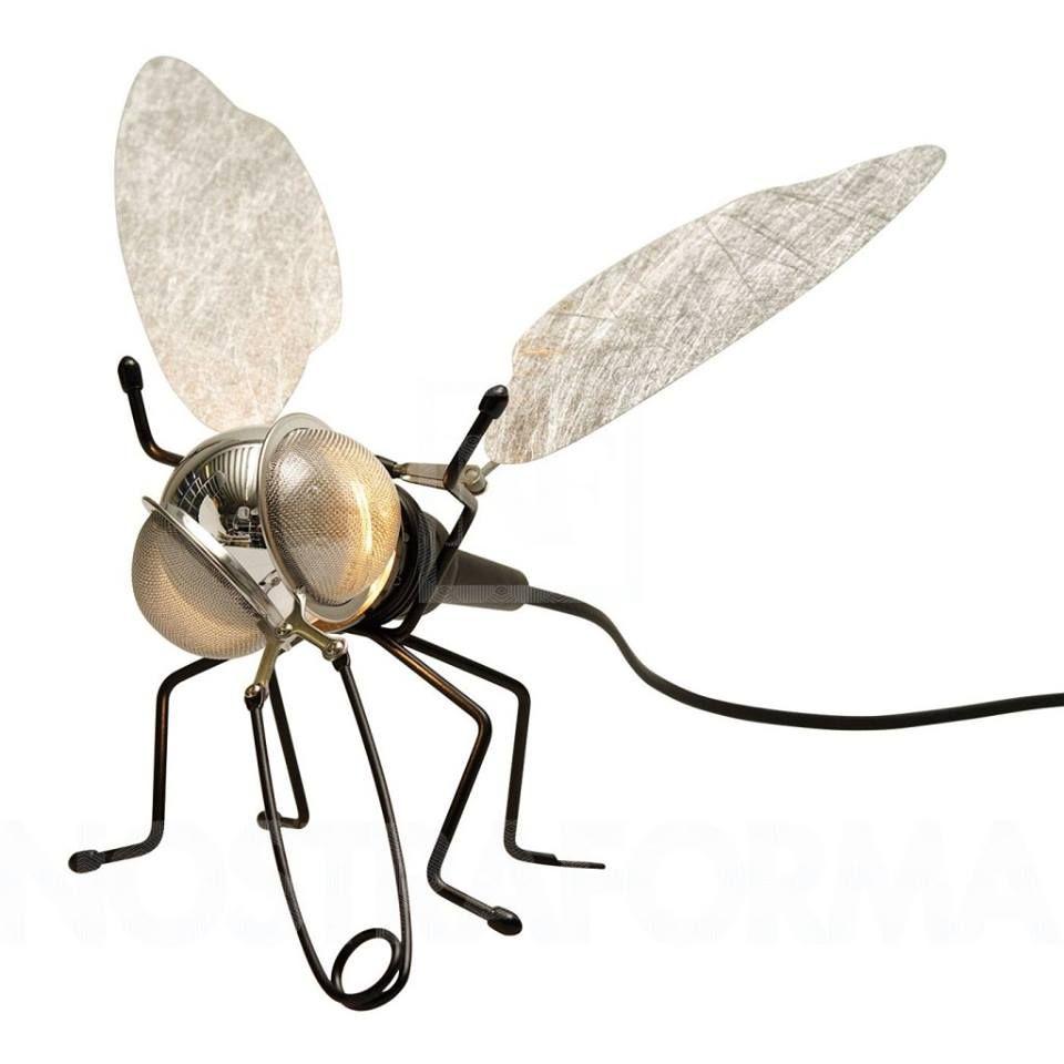 #lámpara Mademoiselle Filou. Se trata de una divertida y original luminaria con forma de mosca, fácil de instalar en cualquier ambiente. #diseño http://goo.gl/u3Uwsq