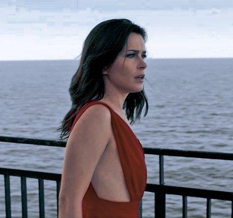 Icon Laura Biel 365 Dni Cabelo Looks Vestidos