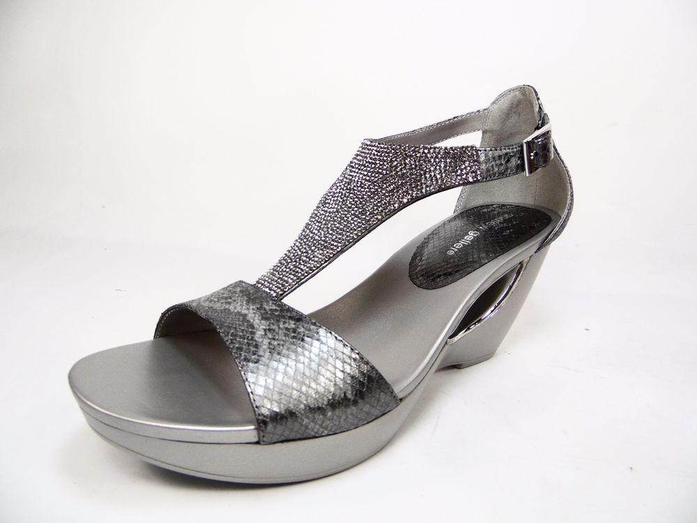 e48c635df76e6 Andrew Geller ARANA OLd Silver Platform Womens Sandals Size 9M   AndrewGeller  PlatformsWedges