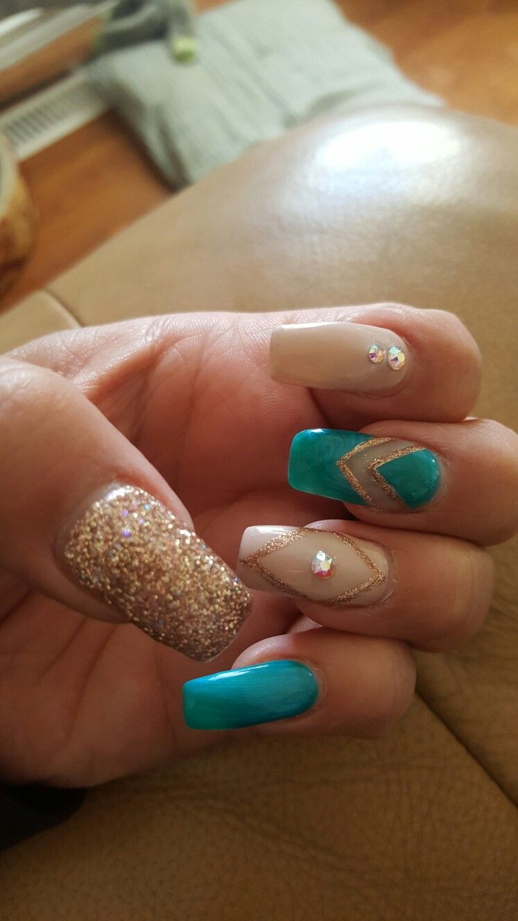 Turquoise And Nails Py