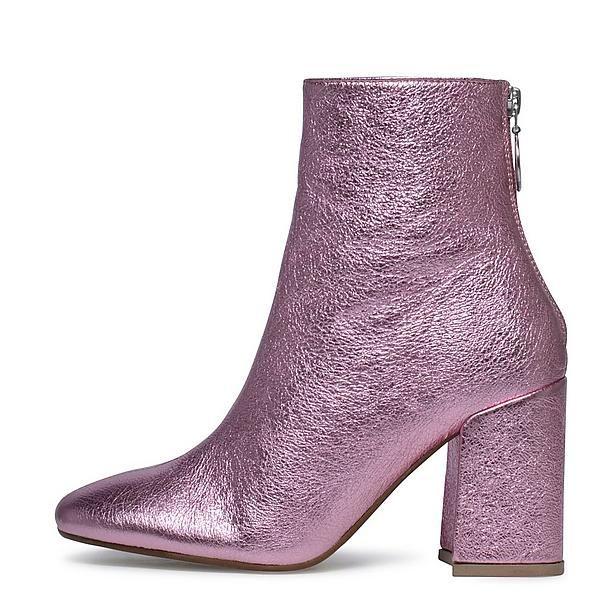 Verliefd op deze roze disco laarsjes! #metallic #boots #roze