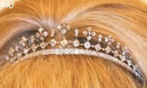 Artemisia's Royal Jewels: Dutch Royal Jewels - Queen Wilhelmina's Diamond Haircomb