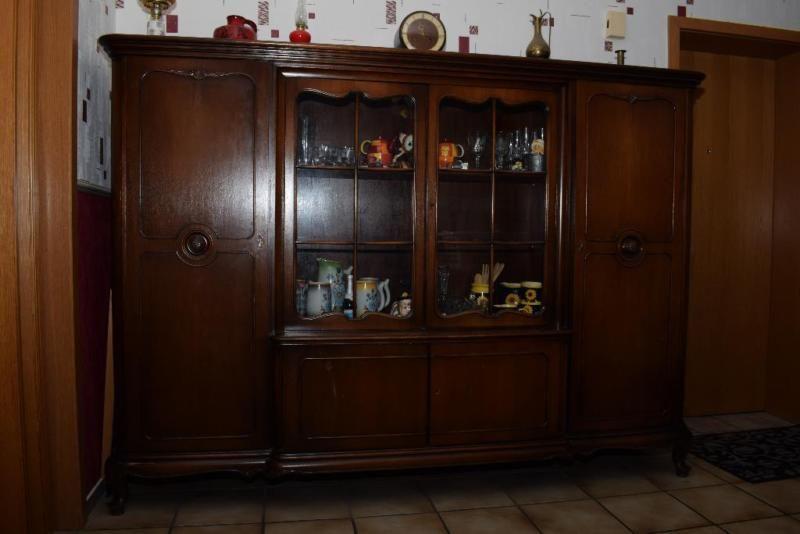 Wir verkaufen einen alten Schrank, der bei uns in der Diele für ...