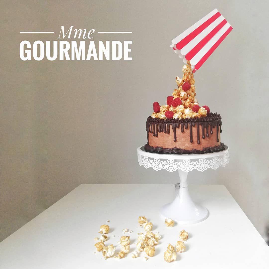 Gravity cake- Mme Gourmande (@mmegourmande) sur Instagram: Gravity Cake, biscuit cuillère cacao, mousse chocolat et framboises! Pour la déco, en mode… #gravitycake