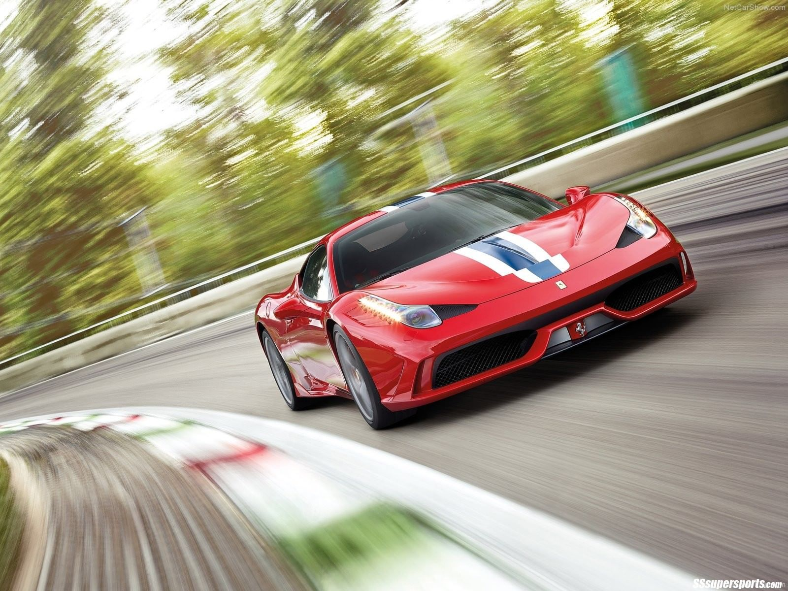 Epic Car Hire Epic Pics Rosso Mars Ferrari 458 Speciale Accelerating On