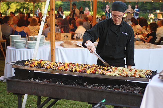 Car si la convivialité d'une soirée barbecue n'échappe à personne, c'est …   – Cocktail + repas