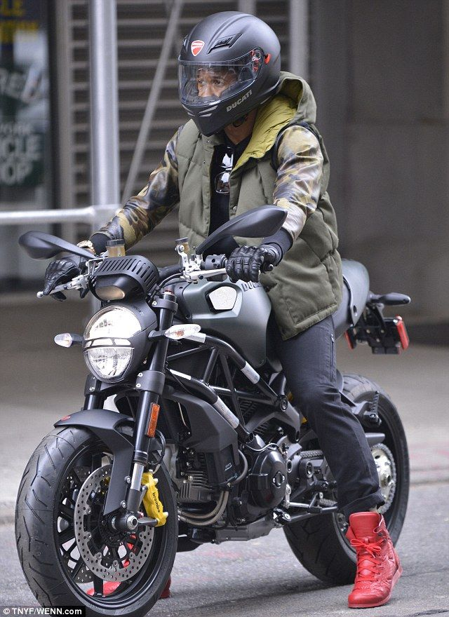 Usher Out Monsters Nyc Traffic Ducati Does Hollywood