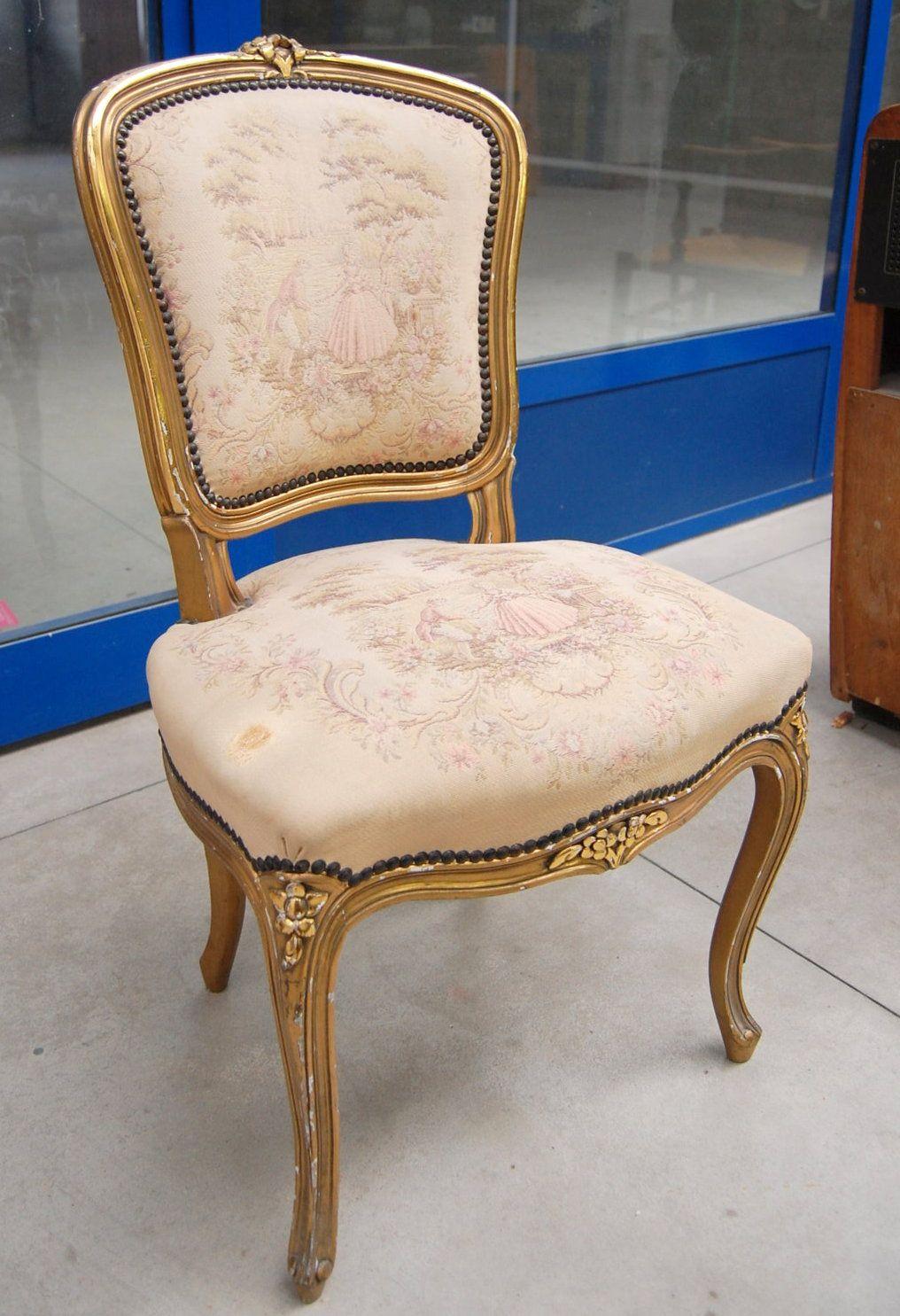 Sedia da camera in stile Luigi XV dorata con fiori scolpiti su ...