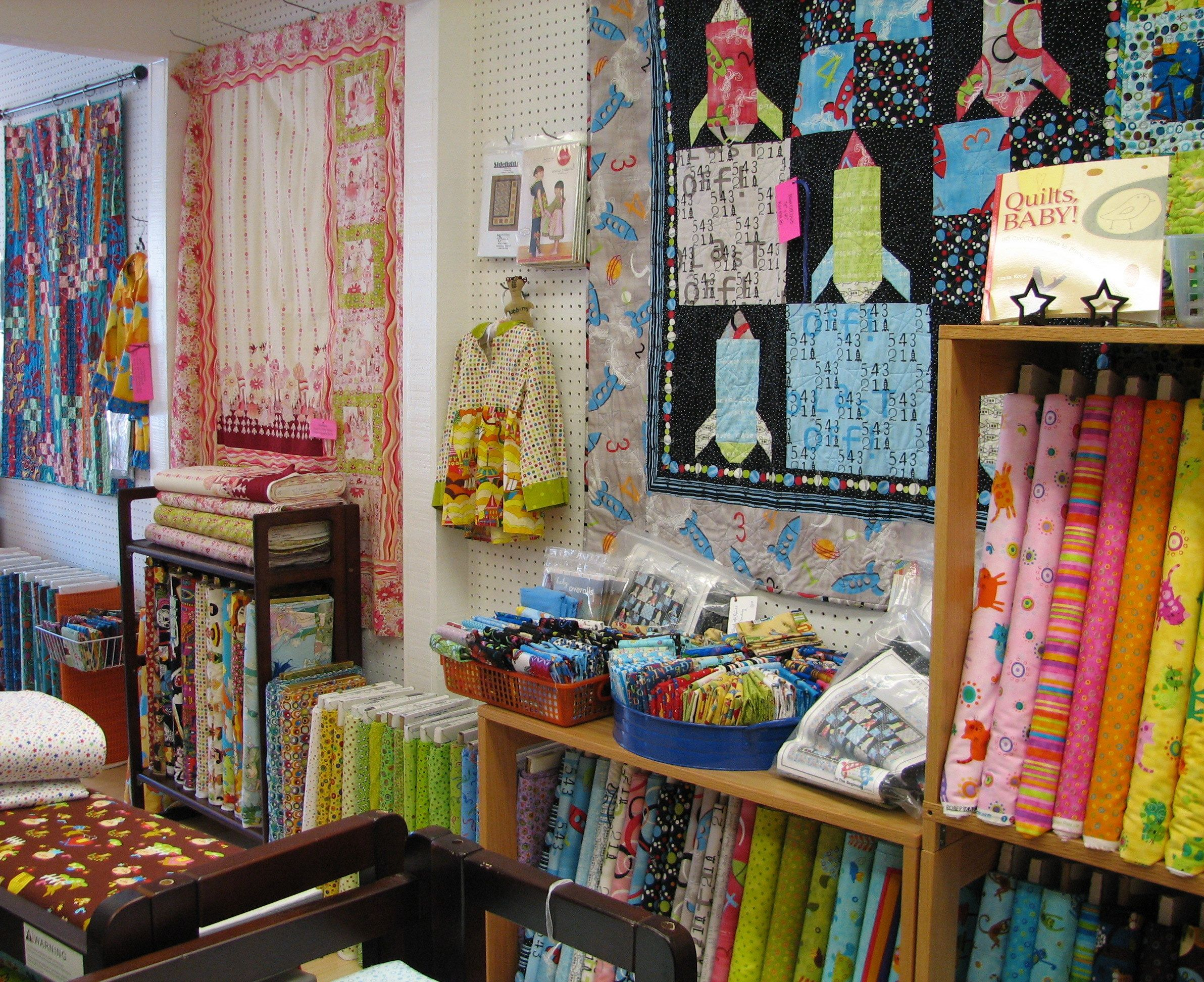 Bobbins Hiding Out In The Quilt Shop Intown Quilters Decatur Ga