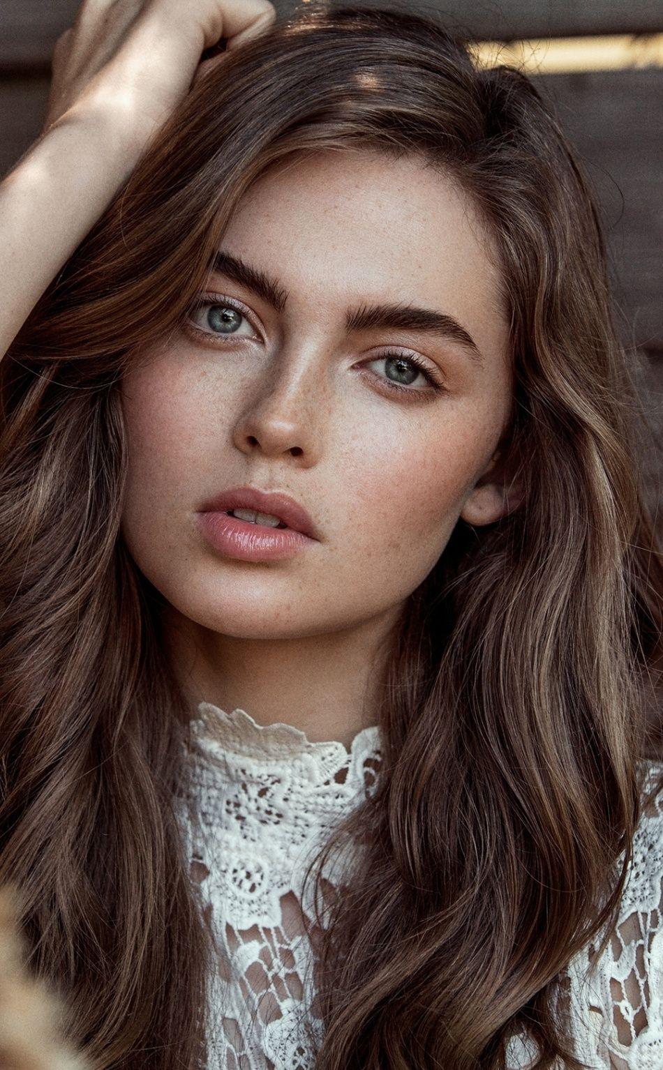 950x1534 Aqua Eyes Brunette Gorgeous Woman Wallpaper Brunette Green Eyes Brunette Blue Eyes Gorgeous Women