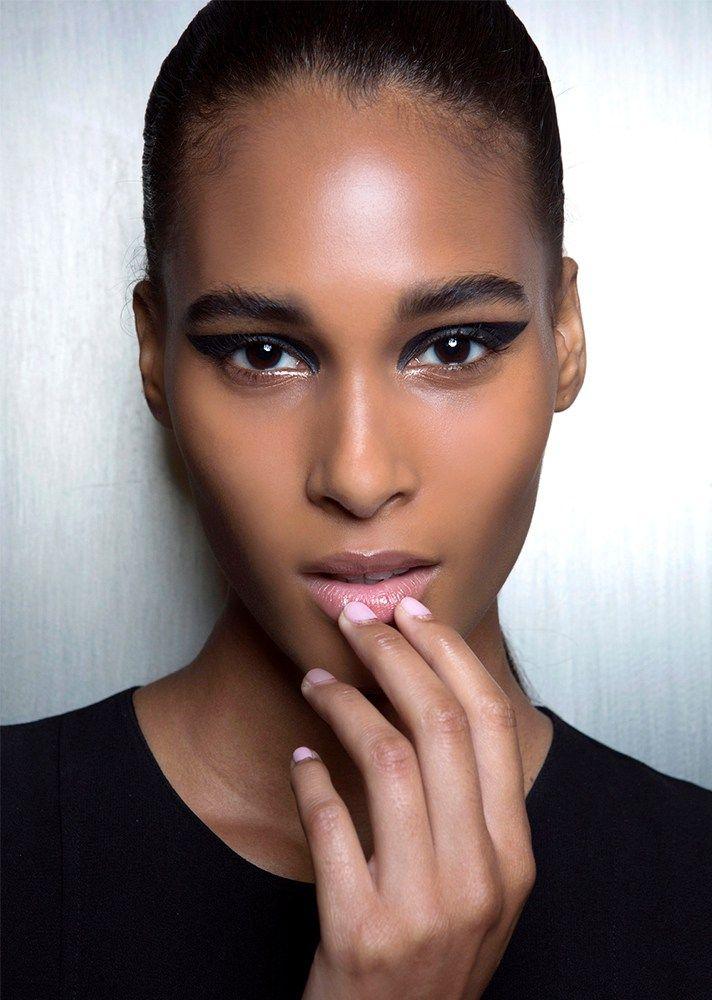 35 Christmas Makeup Ideas – Eyeshadow and Lipstick Inpsiration   StyleCaster