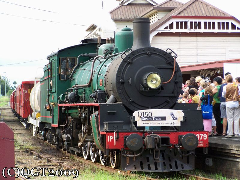 BB18 1/4 No.1079 just arrived at the Old Gympie Station