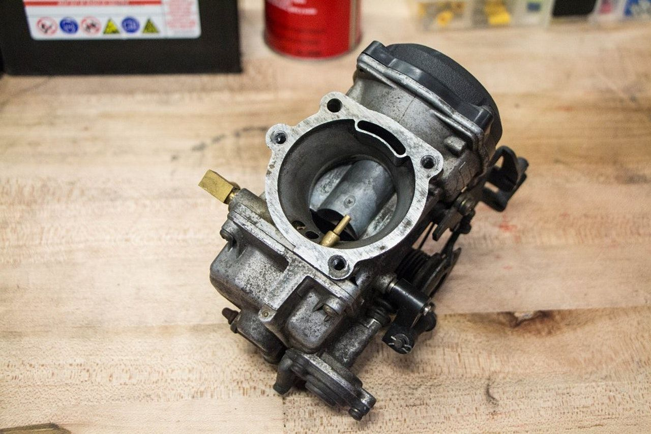 How Does A Carburetor Work New Motorcycles Revzilla Fuel Delivery