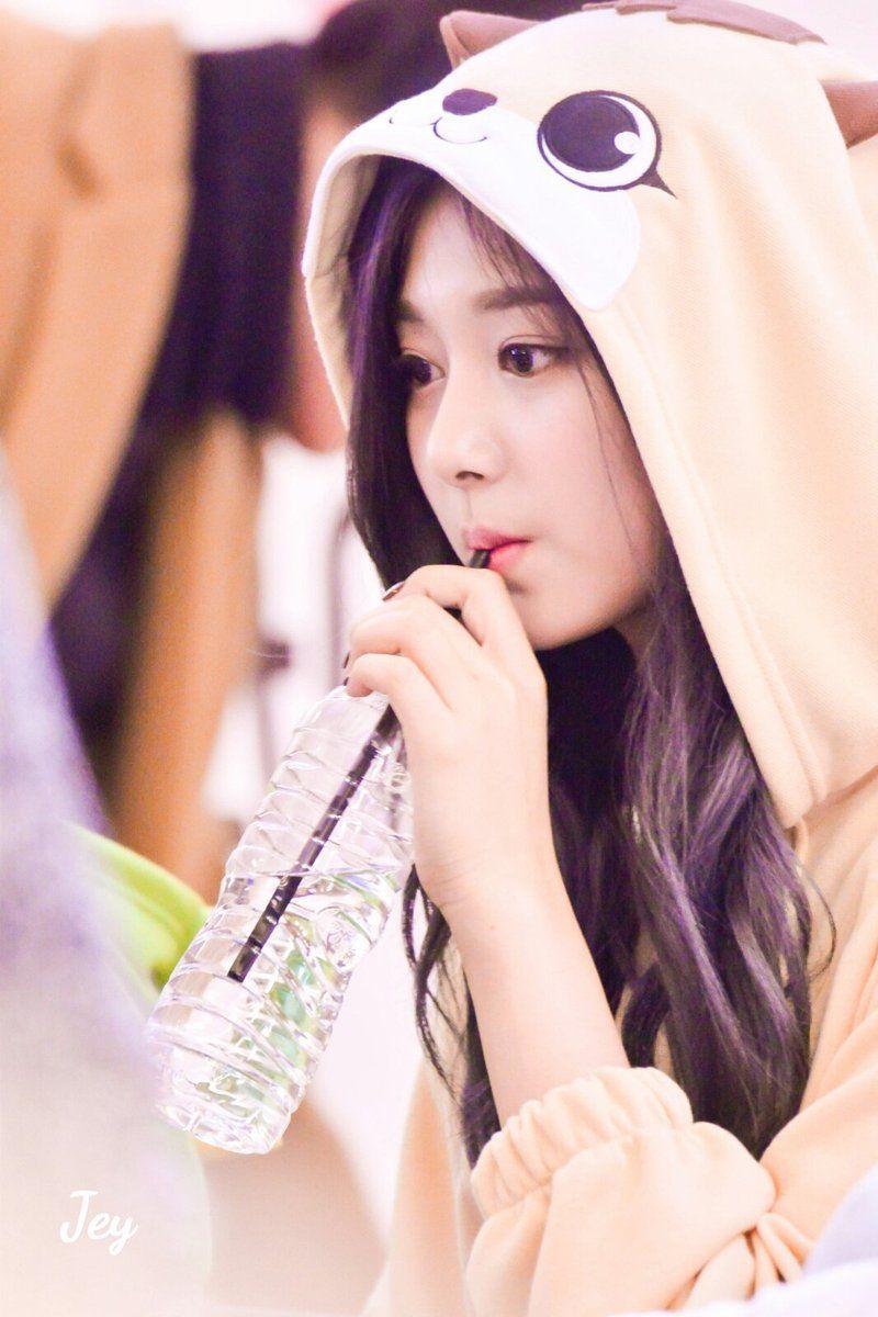 Twice Tzuyu Heu Tzuyu Twice Kpop Nayeon