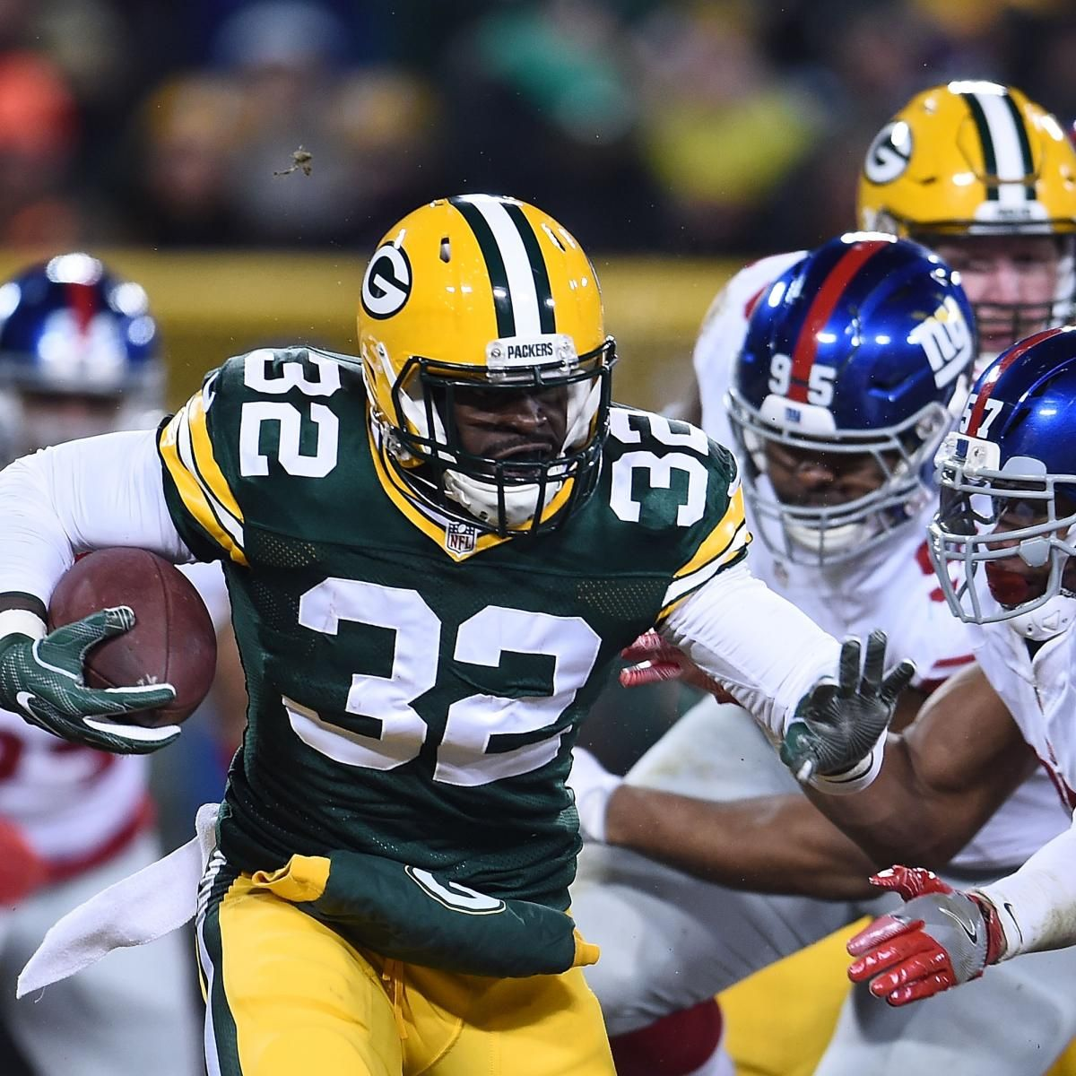 Christine Michael Re Signs With Green Bay Packers Green Bay Packers Packers Green Bay