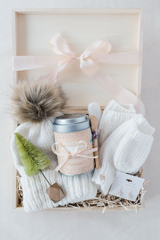 DIY Gift Guide: How to Build the Perfect Gift Box #teacherchristmasgiftideas
