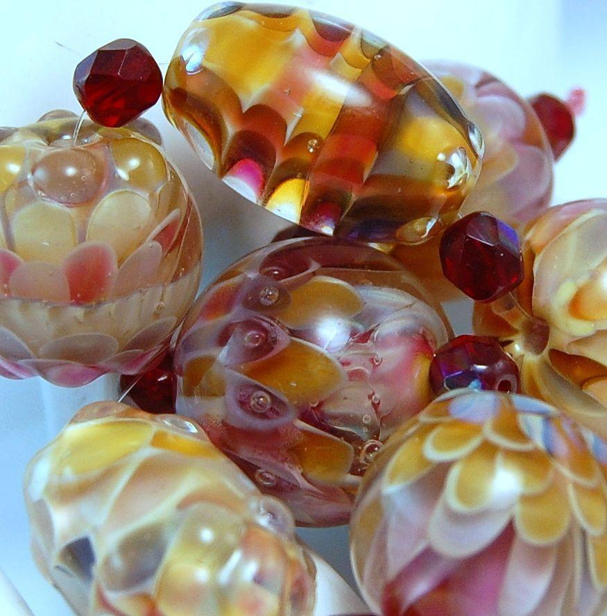 TRIZASDESIGNS- Handmade glass lampwork bead