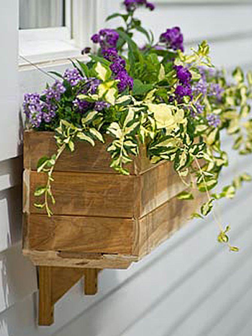 3e3a6377417847387c605a1641f21557 - Gardeners Supply Self Watering Window Box