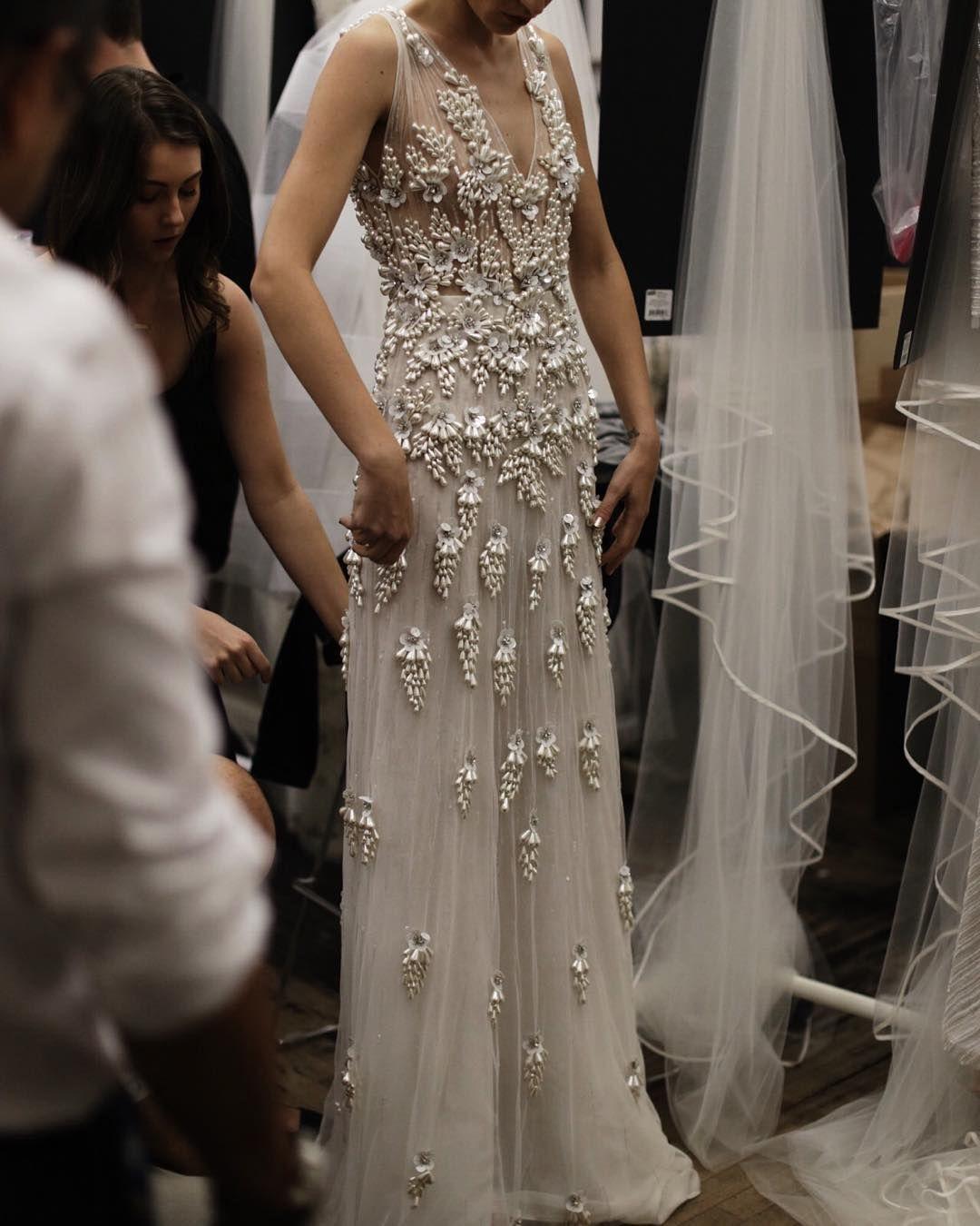 Dress to wear to a wedding as a guest in june  Naeem Khan Bridal AutumnWinter   Apparel Designer Gowns