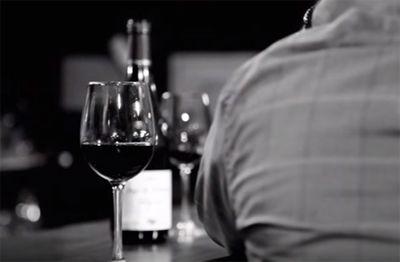 Conversaciones en un bar, la nueva serie de las bodegas + Authentic http://revcyl.com/www/index.php/cultura-y-turismo/item/7647-conversaciones-e