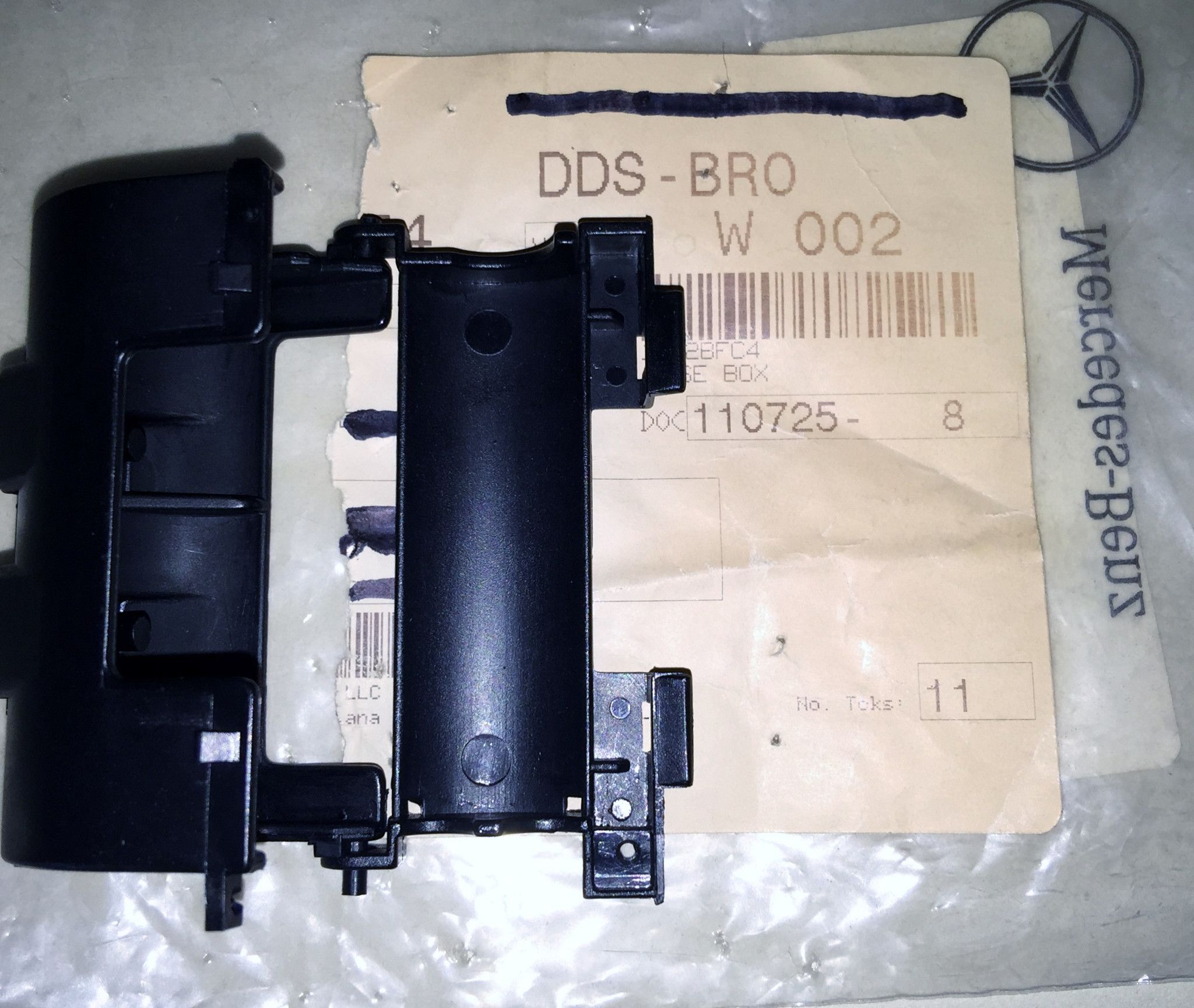 Mercedes Sl500 Fuse Box Location