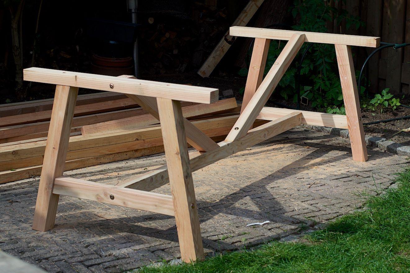 Buiten tafel maken houten tafels buiten tuin
