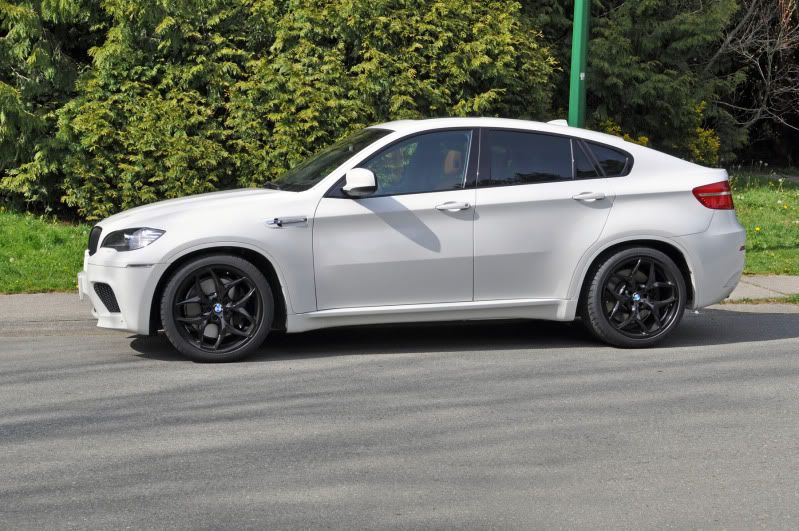 Bmw X6 With Black Rims Dream Cars Bmw Bmw X6 Luxury Hybrid Cars