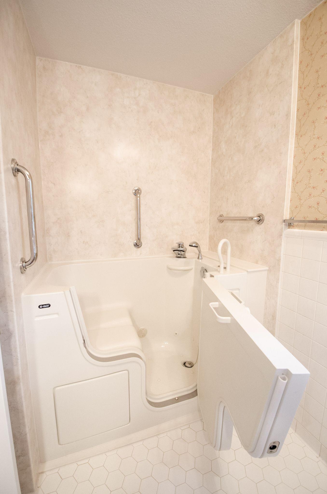 CN613 After1 Bathtub, Handicap bathroom, Bath remodel
