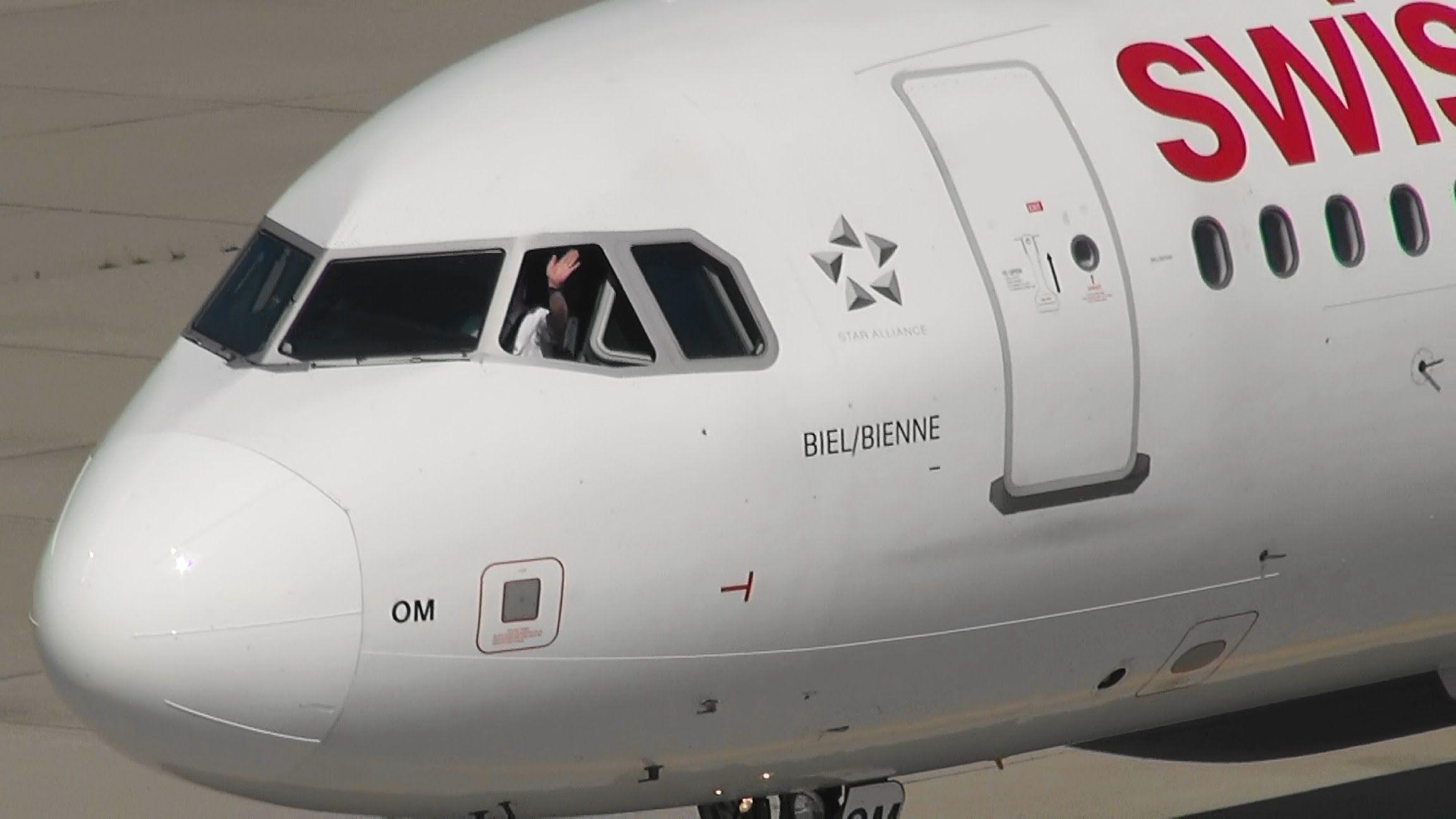 Flughafen Zürich Airport ZRH 2014 07 16 Passenger